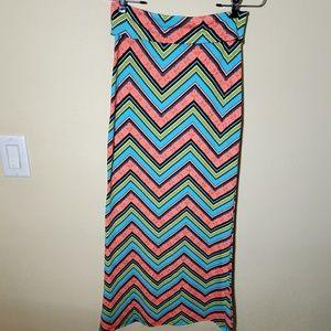 NWOT Chevron Maxi Skirt